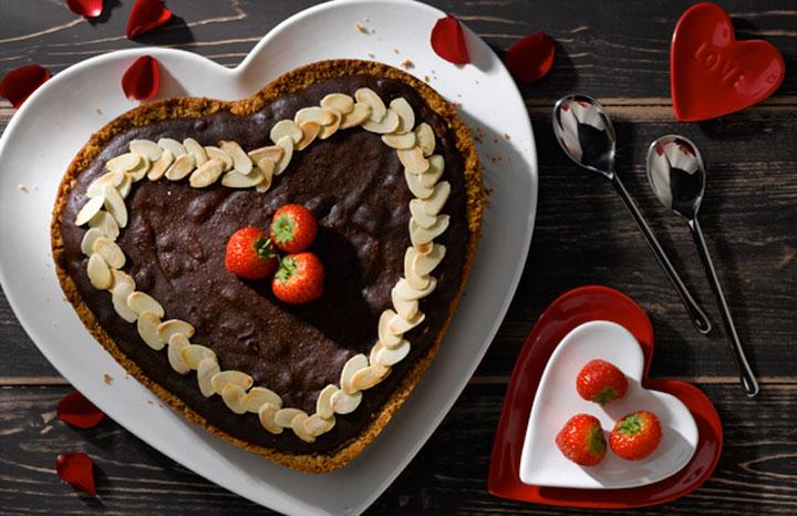 Almond-Chocolate-Valentines-Tart---www.whitworths.co.jpg
