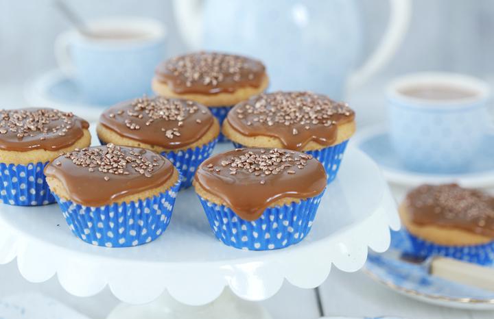 Elderflower%20fairy%20cakes.jpg