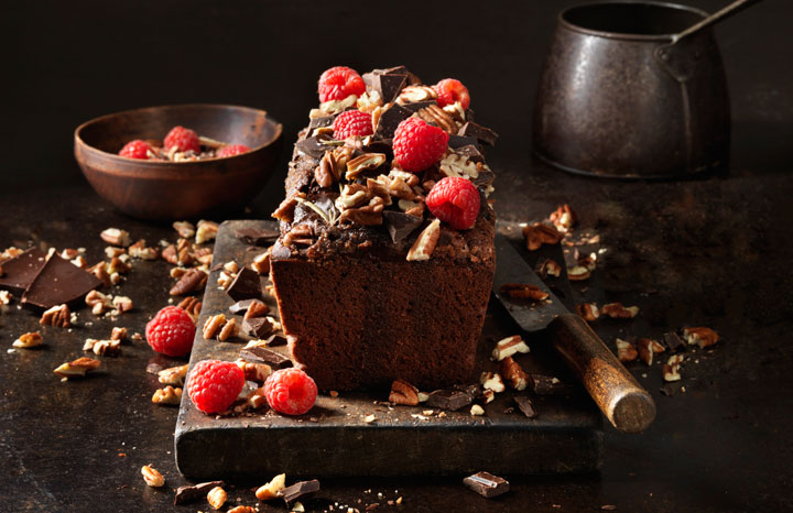 Chocolate-And-Almond-Cake_Landscape_0060-edit.jpg