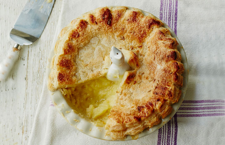 Bramley-Apple-Pie-with-Ginger,-Fennel-Seed-and-Lemon-Thyme.jpg