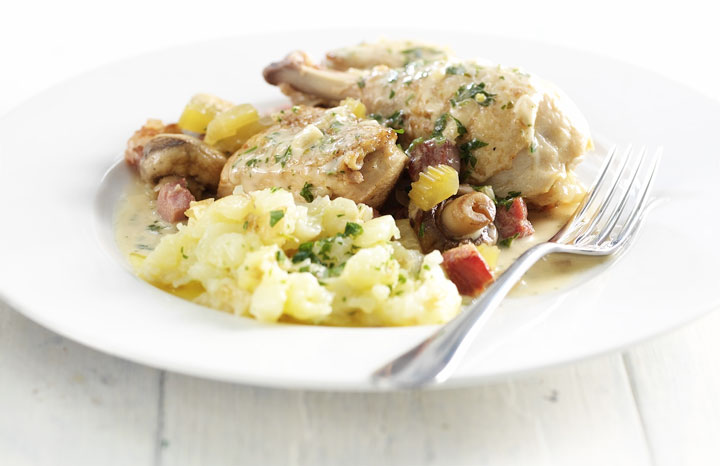 COQ-AU-VIN-BLANC-WITH-PARSLEY-CRUSH.jpg