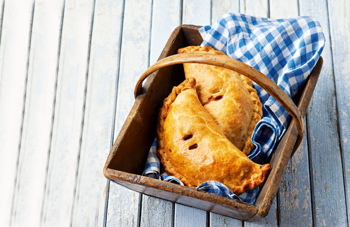 Cornish-Pasties-image-Paul-Hollywood[1].jpg