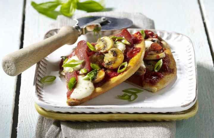 mushroom-salami-pizza.jpg