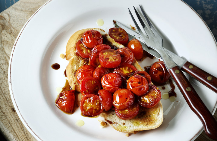 Sweet%20Chilli%20Tomatoes%20on%20Toast.jpg