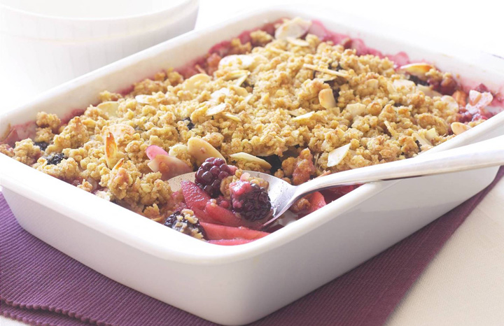 Blackberry-Oat-Crumble-with-almonds.jpg