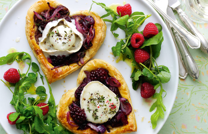 Blackberry-and-goats-cheese-tarts.jpg