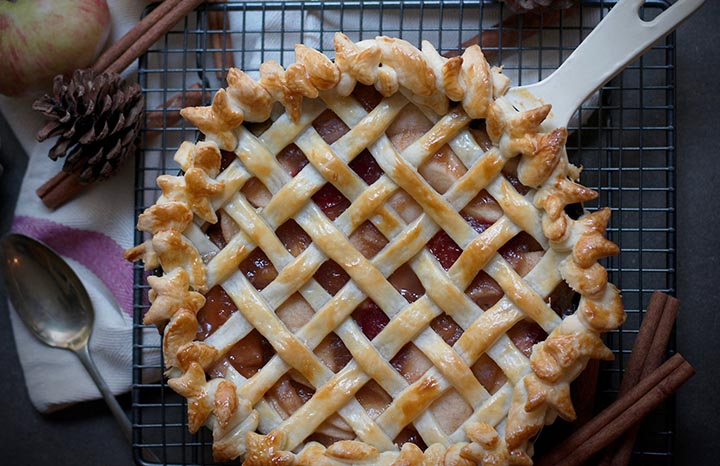 Apple%20plum%20lattiec%20pie.jpg