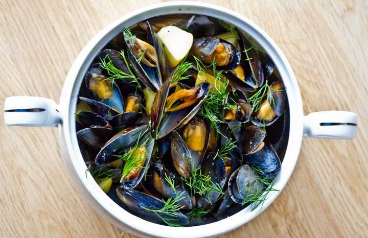 Apple-y-mussels.jpg
