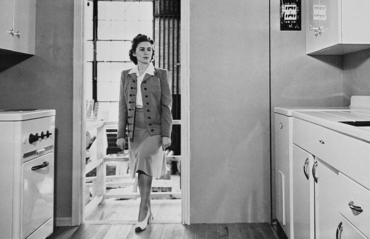 1940s-women-kitchen.jpg