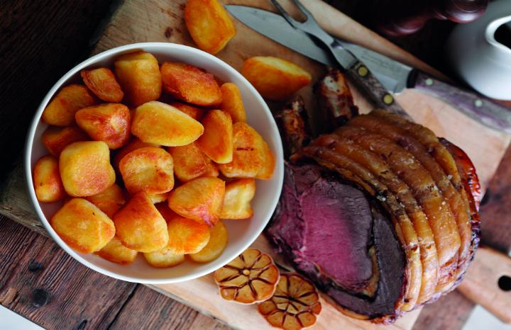 roast%20beef%20&%20potatoes.jpg