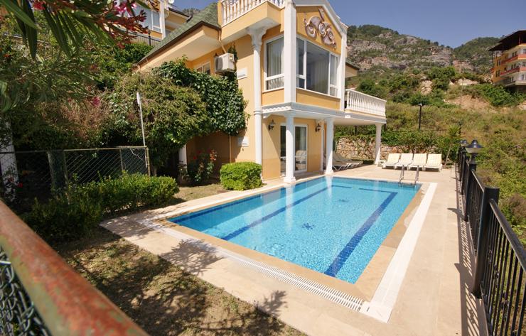 Dream-Villa-exterior-with-mountains.jpg