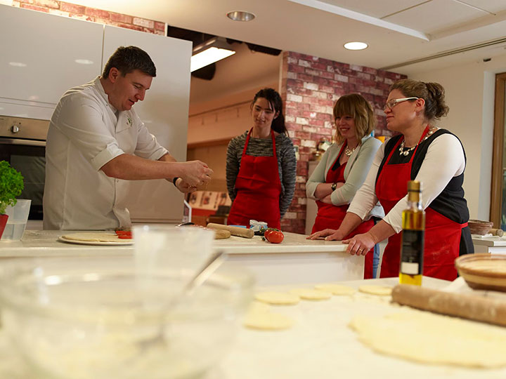 Peter-Sidwell-cookery-School[2].jpg