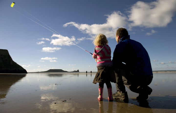 Flying-a-kite,-Rhossili-bay%C2%A9NT-Images-John-Millar-2.jpg
