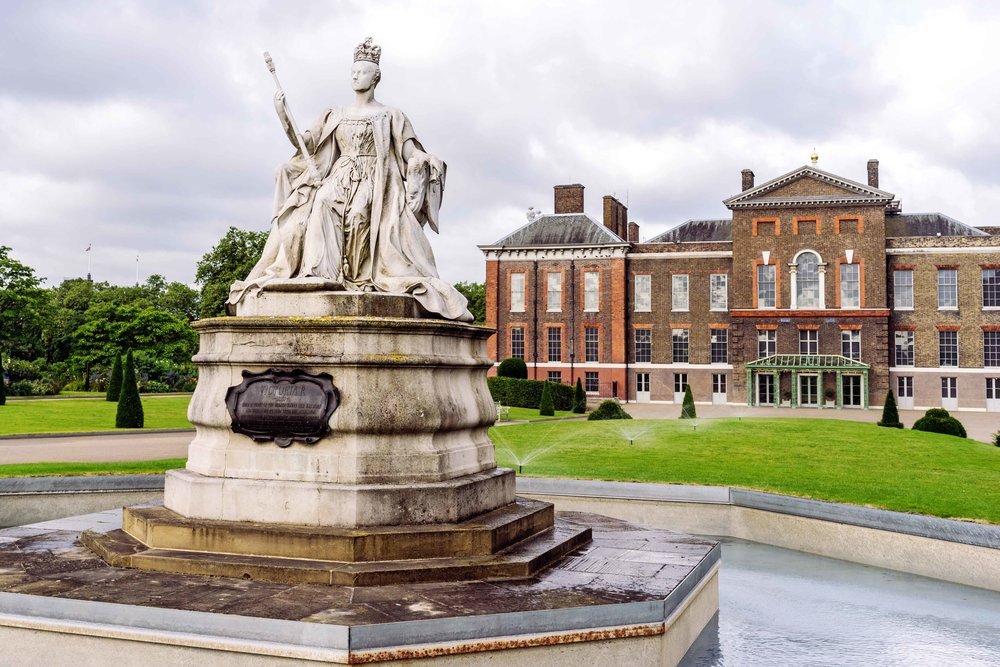 Kensington Palace Outdoors Statue