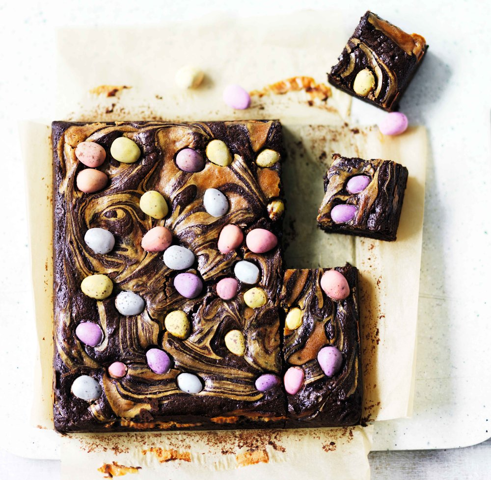 easter-brownie-with-mini-eggs