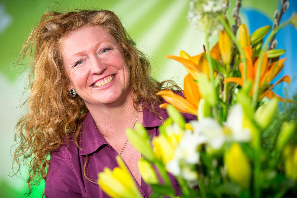 charlie-dimmock-flowers