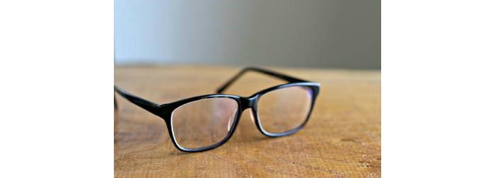 glasses use.jpg