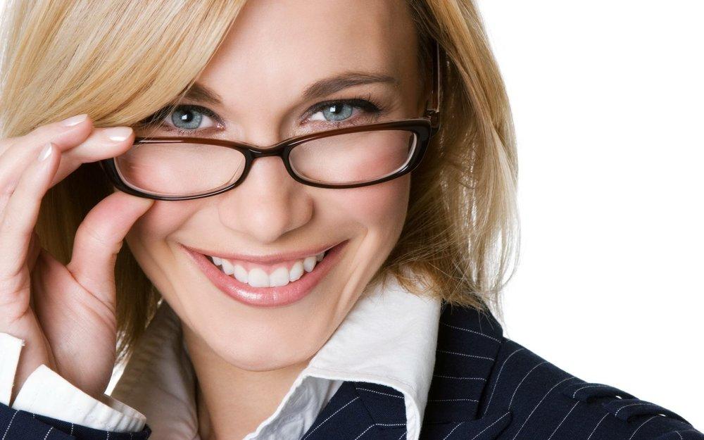 Lady wearing glasses 1.jpg