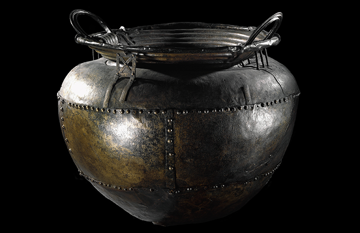 cauldron-british-museum-harry-potter.jpg