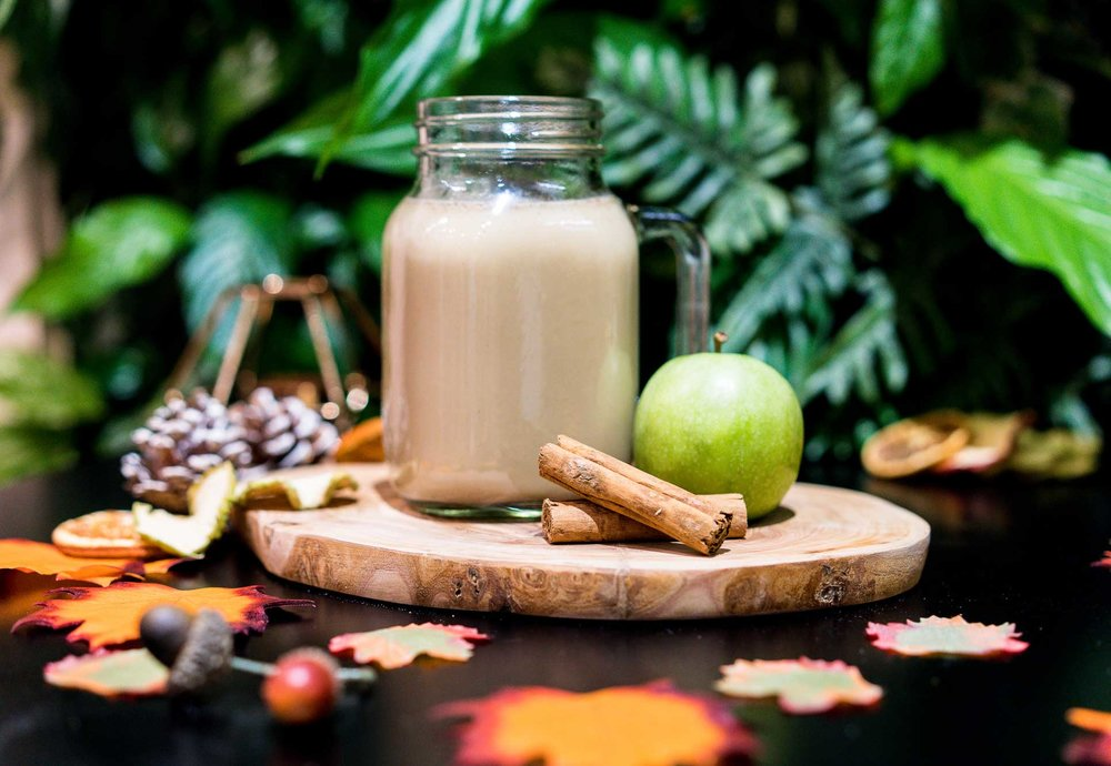 Linwoods--WARM-APPLE-AND-CINNAMON-SMOOTHIE-1-.jpg