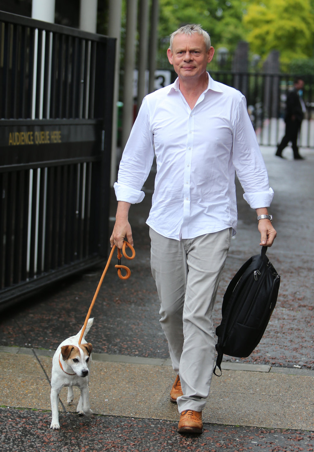 martin-clunes-dog.jpg