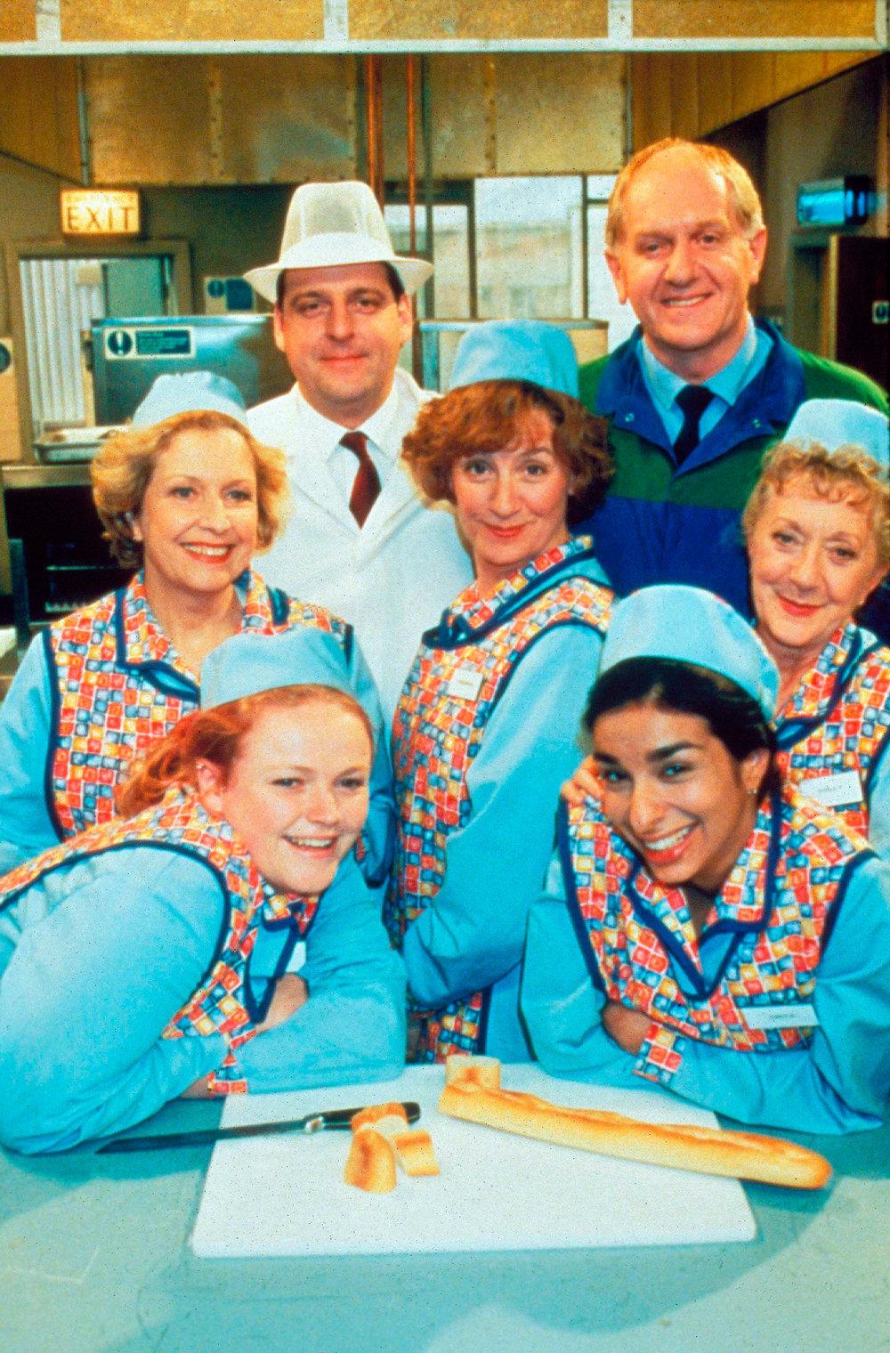 dinnerladies-sitcom.jpg