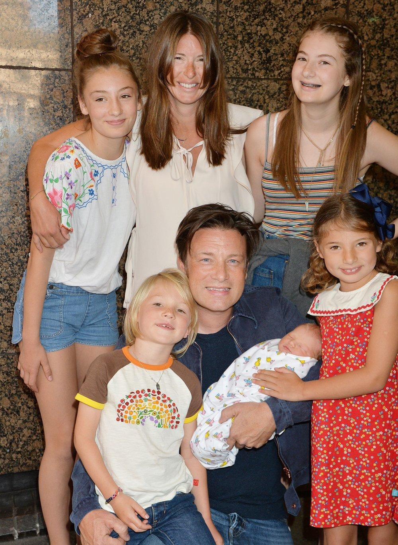 jamie-oliver-family.jpg