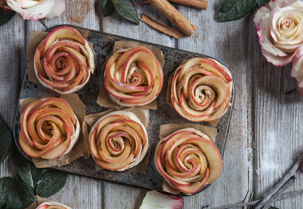 Pink-Lady-apple-roses---2mb.jpg