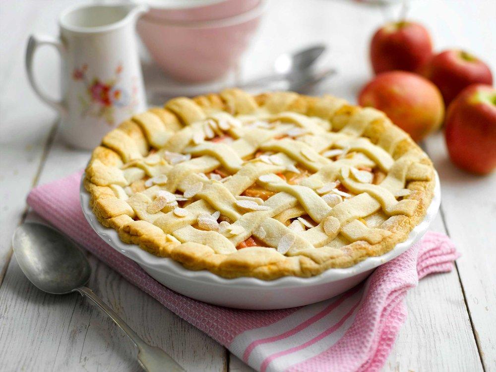 Pink-Lady-Apple®,-Elderflower-&-Almond-Pie.jpg