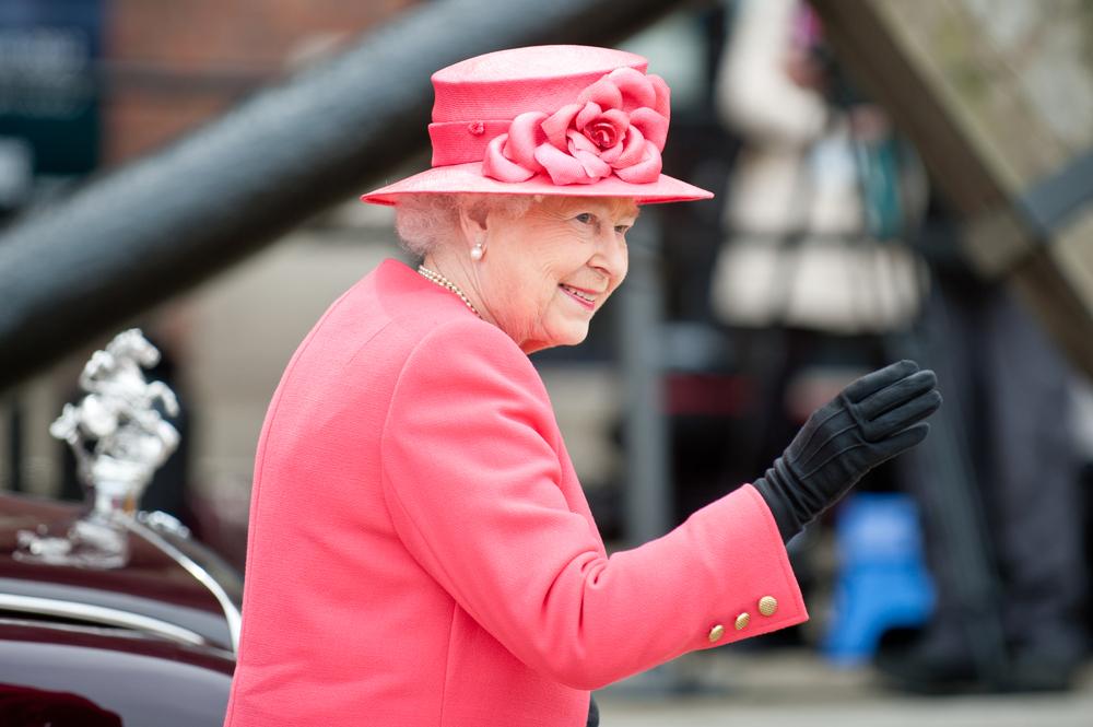 queen-elizabeth-pink.jpg
