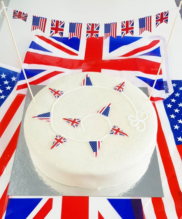 If we ever needed an excuse to eat more cake... #royalwedding 🎊