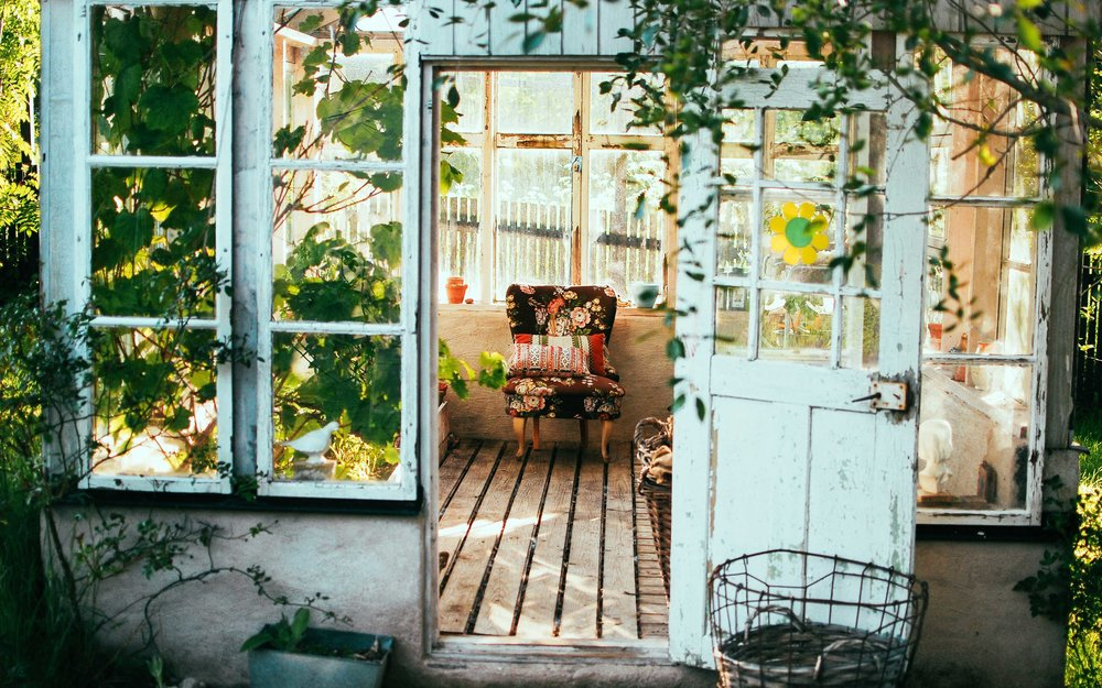 Tidy-and-neat-garden-shed---Clearabee.jpg