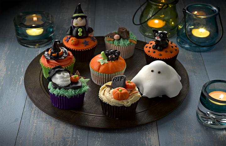 Halloween%20Cup%20Cakes%203%20re.jpg
