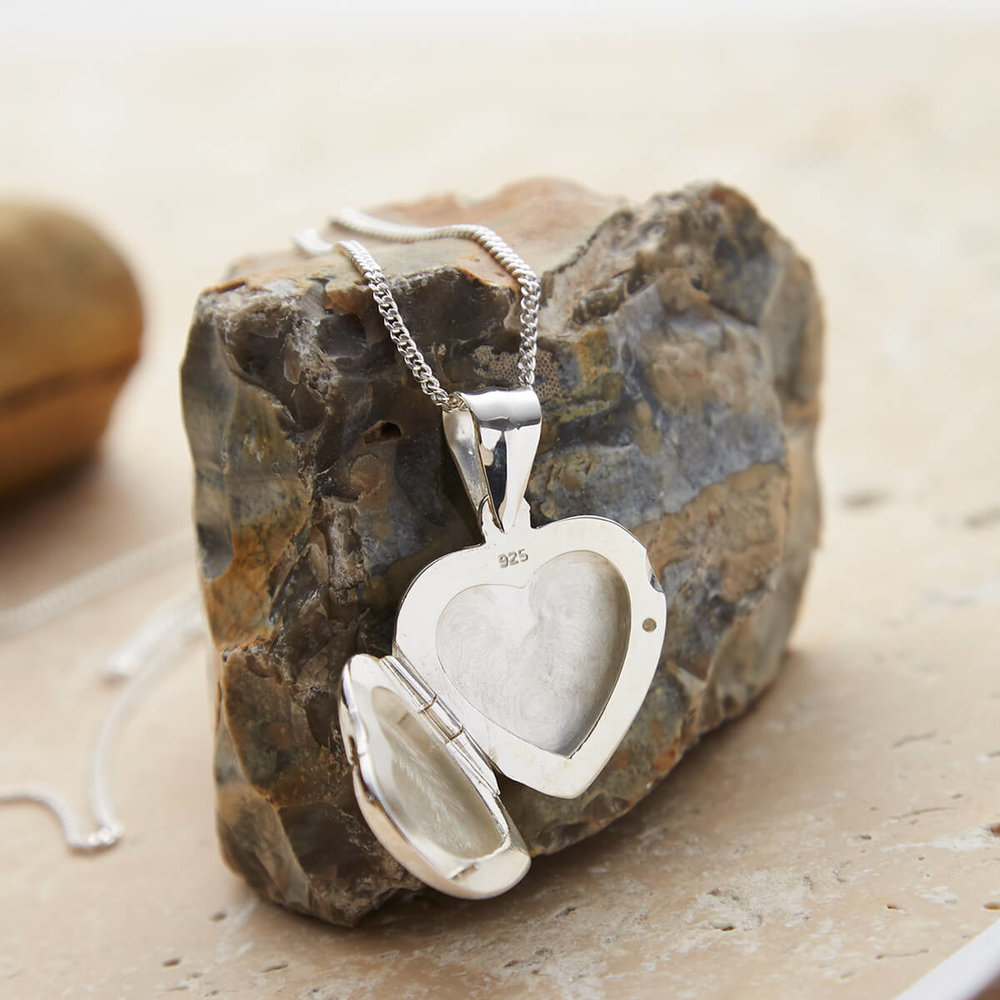 sterling_silver_heart_locket HR3.jpg