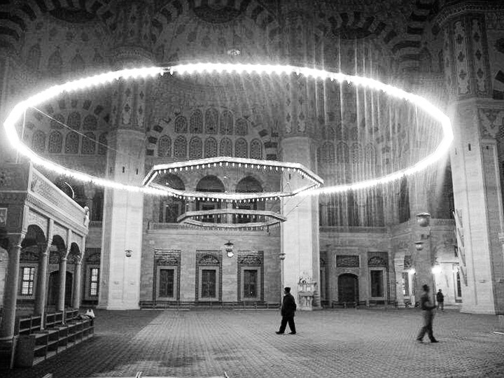 bw-mosque-interior.jpg