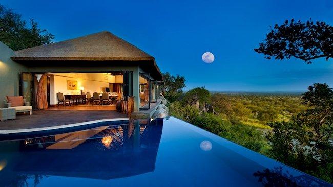 Bilila-Lodge-Serengeti-presidental-villa-pool-full-moon.jpg