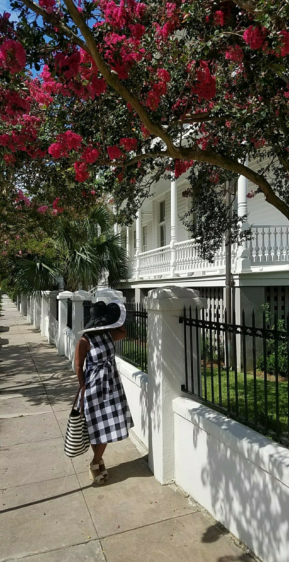 Classic Style - black and white Charleston