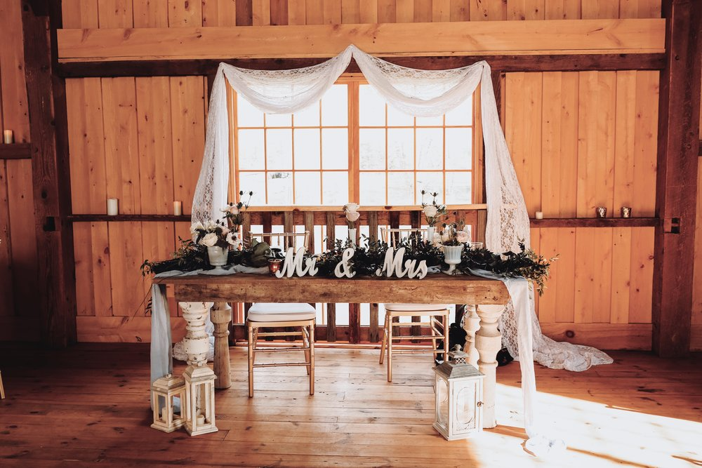 celestia - farmhouse sweetheart table