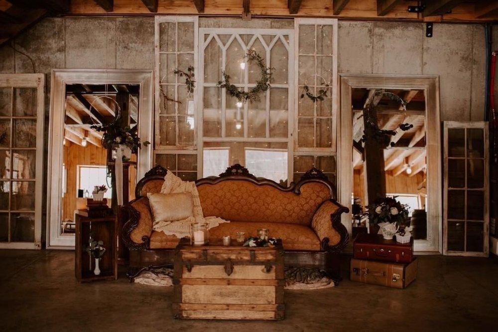 Marie - Victorian Sofa