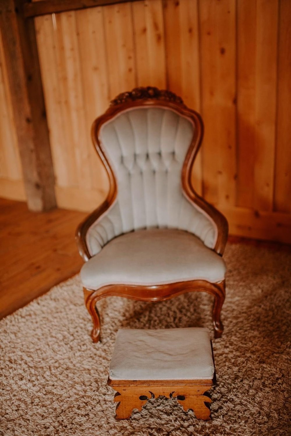 Isabelle -  Blue Victorian Chair