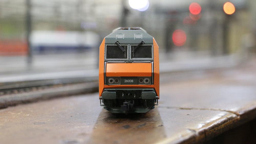 LES ACCROSDU RAIL - Le club secret de trains miniatures dans le sous-sol de la Gare de l'Est.