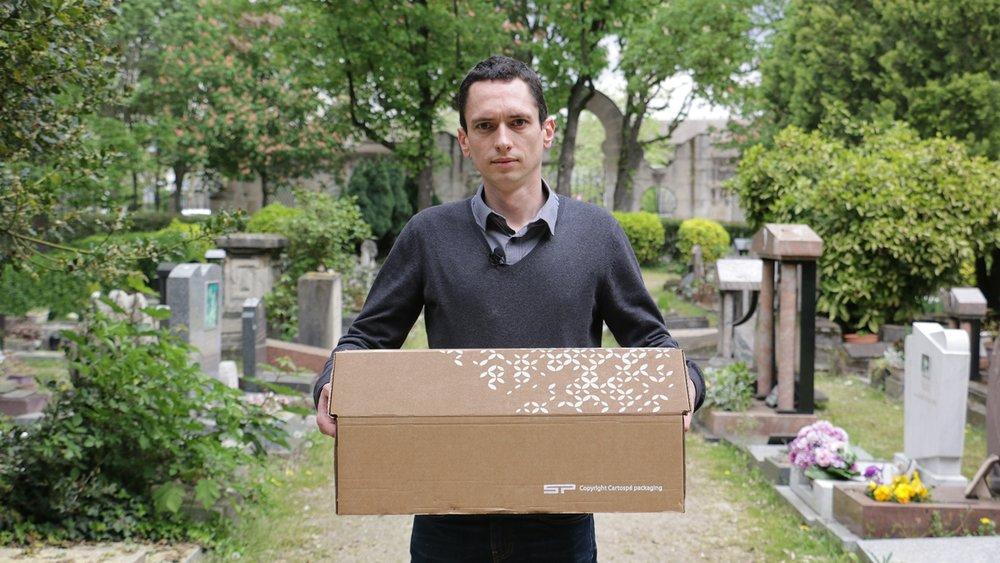 LE CROQUE-MORTPOUR ANIMAUX - J'ai enterré Poupoune.