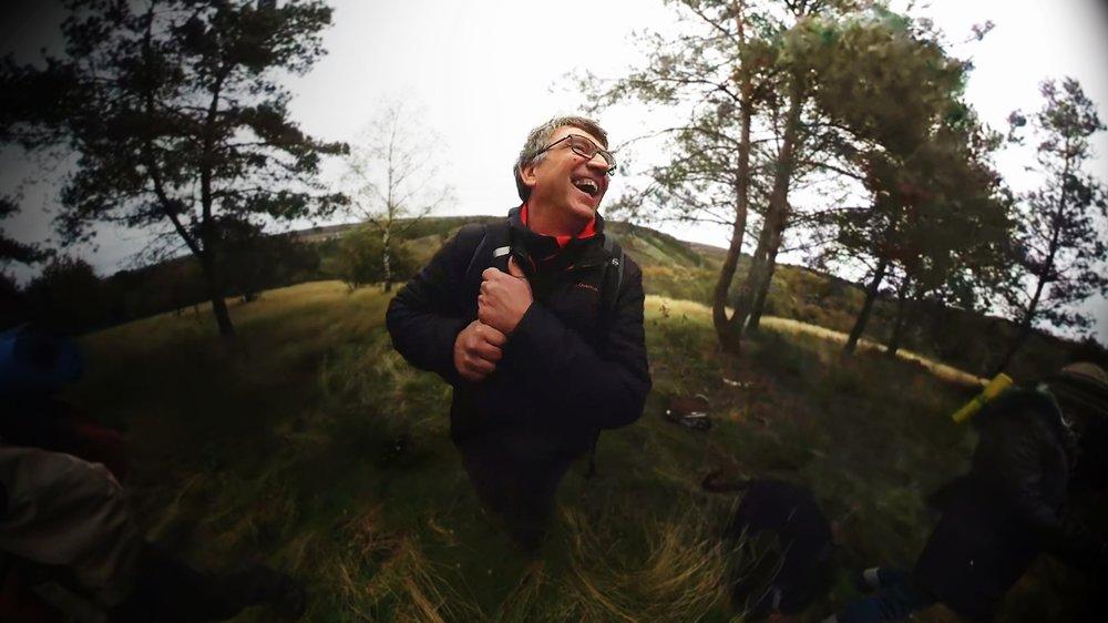LE CHAMAN BRETON - Une journée avec un chaman breton. Dans la forêt de Brocéliande. Avec des animaux totems.