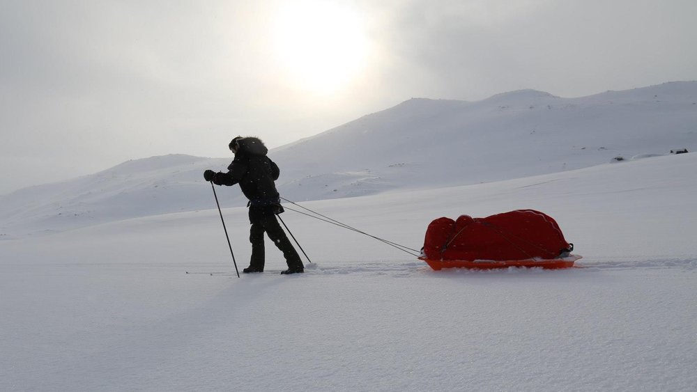 INTO THEWHITE - The lone explorer of the South Pole.