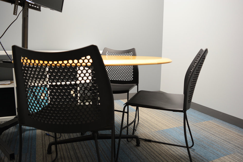 When group projects required more focused interaction, four study rooms are able to be reserved. These rooms were included in the program to not only serve as student areas but allow quiet space for prospective students and Turing staff to meet.