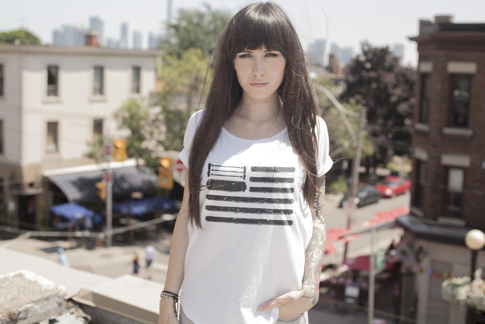 Womens.WhiteShirt.USA.1.jpg