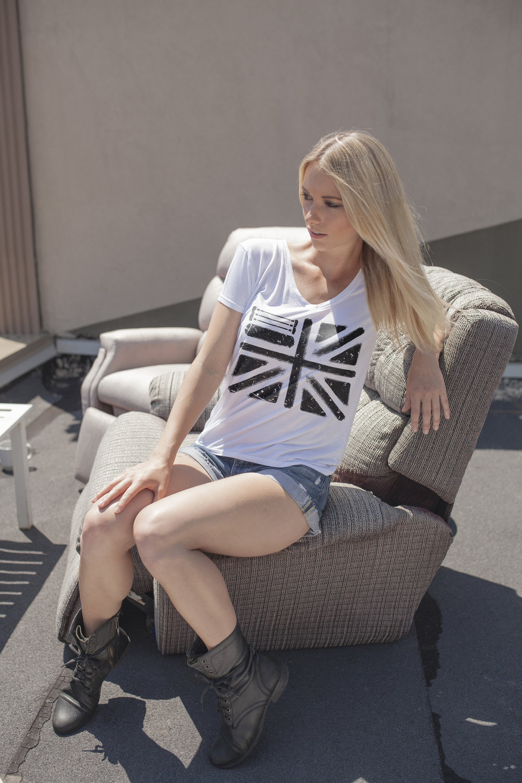 Womens.WhiteShirt.UK.1.jpg