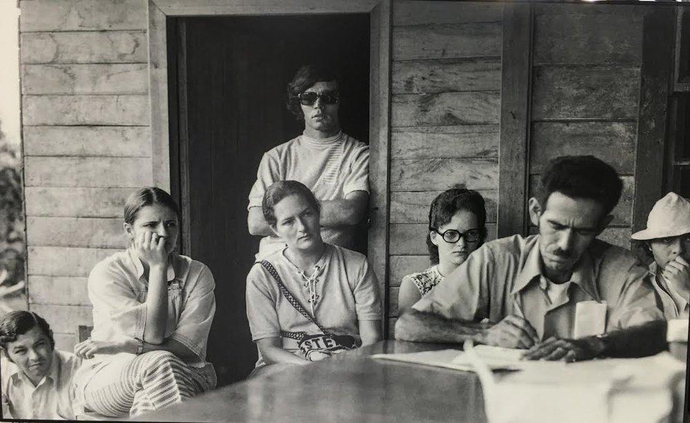 Miguel Jiménez, dirigente de Coopesilencio, Víctor Hugo Acuña, historiador de la UCR; Manuel Rojas Bolaños y Ligia Martín, sociologos de la UCR y Atenia Solís, trabajadora social.