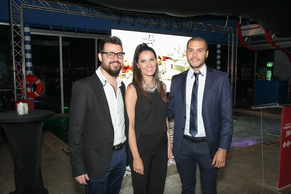 Guillermo Ortiz, director creativo de Simán, Viviana Zamora, gerente de mercadeo para Costa Rica, Garrick Suárez, Brand Manager de Siman Costa Rica