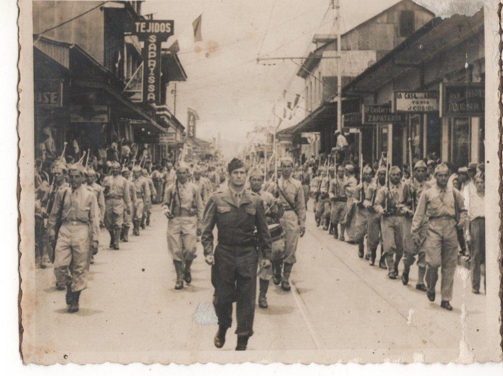 Desfile de la Victoria, 1948. Colección Fernando Leitón.jpg